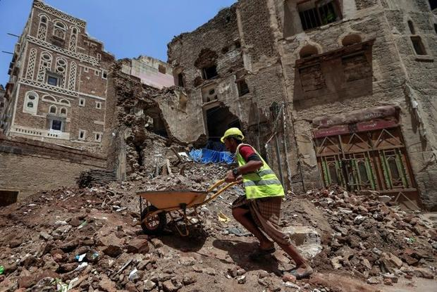 The Nobel committee and the WFP have drawn attention to the plight of people in conflict-riven Yemen