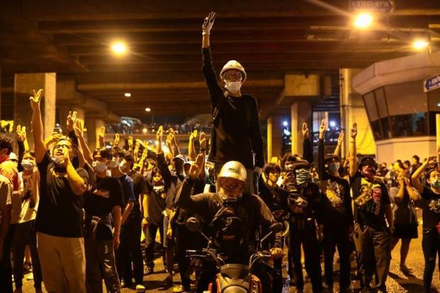 The Bangkok protestors dispersed peacefully Saturday evening and there was no intervention by police...