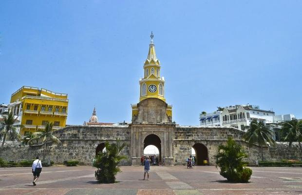 A tourist psses in front of the Watch Tower in Cartagena  Colombia  on May 22  2016