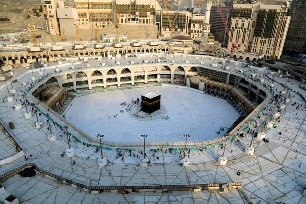 Saudi Arabia emptied Mecca's Grand Mosque  Islam's holiest site  for sterilisation after t...