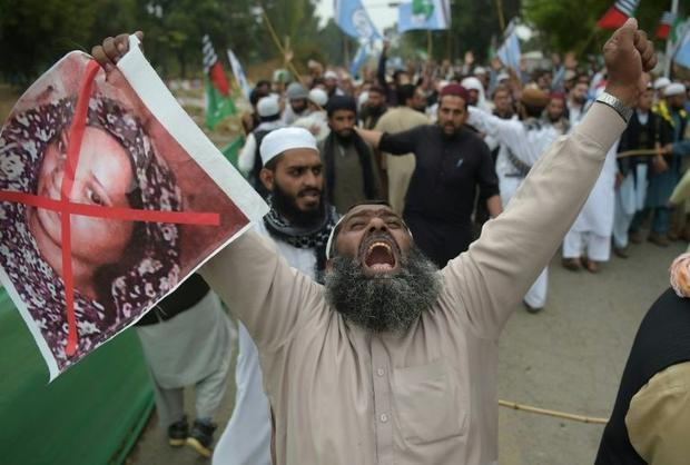 Activists have warned that Asia Bibi's life would be in danger if she stayed in Pakistan