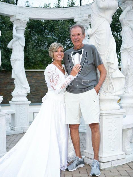 New Jersey couple celebrates 25th wedding anniversary
