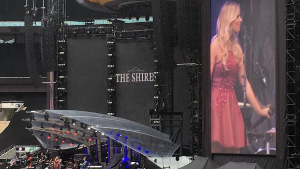 The Shires opening for Jeff Lynne s ELO  Wembley Stadium  London  June 24 2017