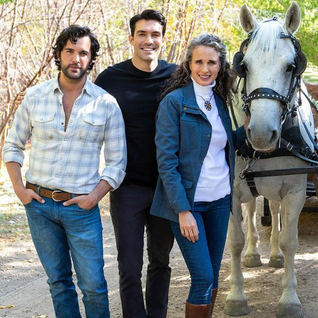 Juan Pablo Di Pace  Peter Porte and Andie MacDowell in  Dashing in December