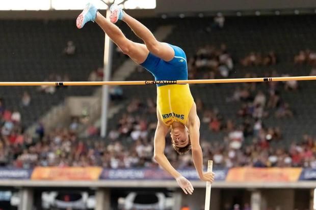 Mondo Duplantis clearing the bar in the men s pole vault at the European Championships