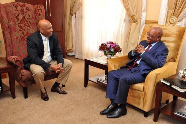 Picture released by South African presidency press office shows South Africa President Jacob Zuma(R)...