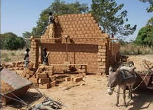 Masons have been trained in the Nubian vault style of architecture.