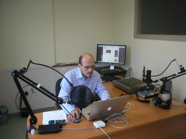 David Grande-Maison in the announcer s booth at Webphre radio Magog press conference 12/01/15