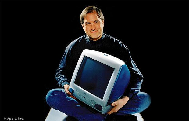 Steve Jobs introduces the iMac personal computer in San Francisco in Spetember 1  1998  14 years aft...